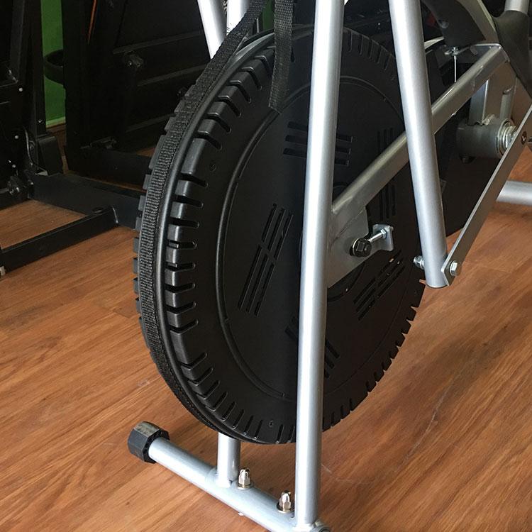 Bánh đà của xe đạp tập thể dục TF-01 chắc bền, hoạt động êm mượt