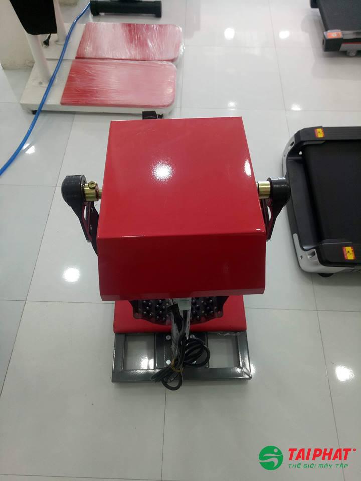 Máy massage toàn thân đầu đỏ TP-72 thiết kế động cơ đặt trong hộp vô cùng chắc chắn và an toàn cho người dùng