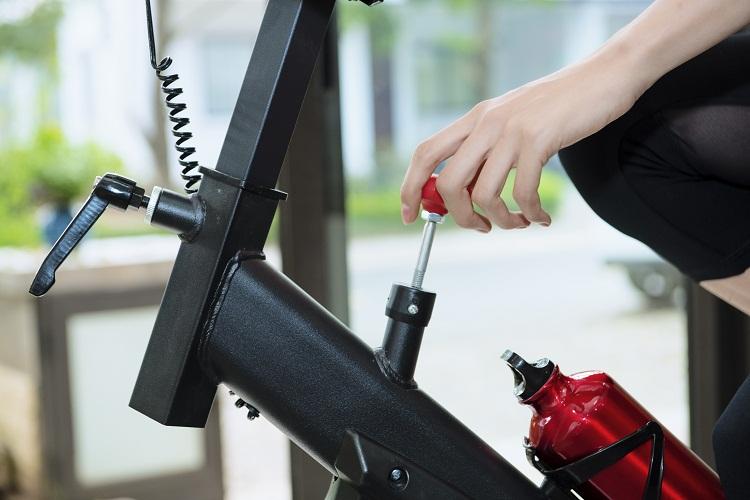 Nút điều chỉnh kháng lực dễ thao tác có thể điều với nhiều cấp độ.