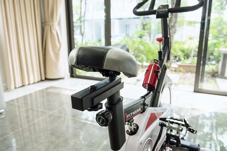 Xe được thiết kế linh hoạt vị trí yên ngồi để phù hợp với hấu hết kích thước cơ thể người sử dụng.